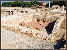 220px-Yacimiento_arqueologico_de_Complutum
